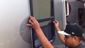 how to install boat windows